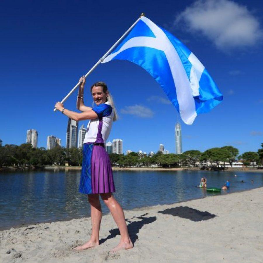 девушка флаг шотландии