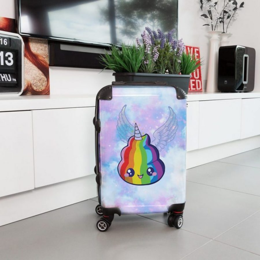 чемодан с рисунком лошади волшебной
